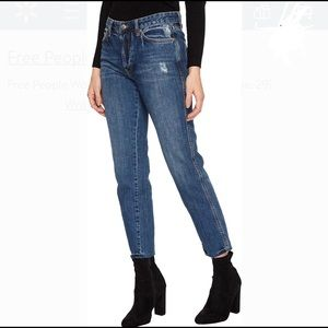 NWT Free People We the Free BoyFriend Jeans 28